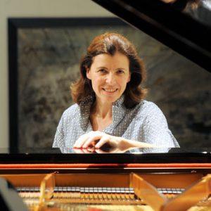Bild von Maria Sofianska am Klavier